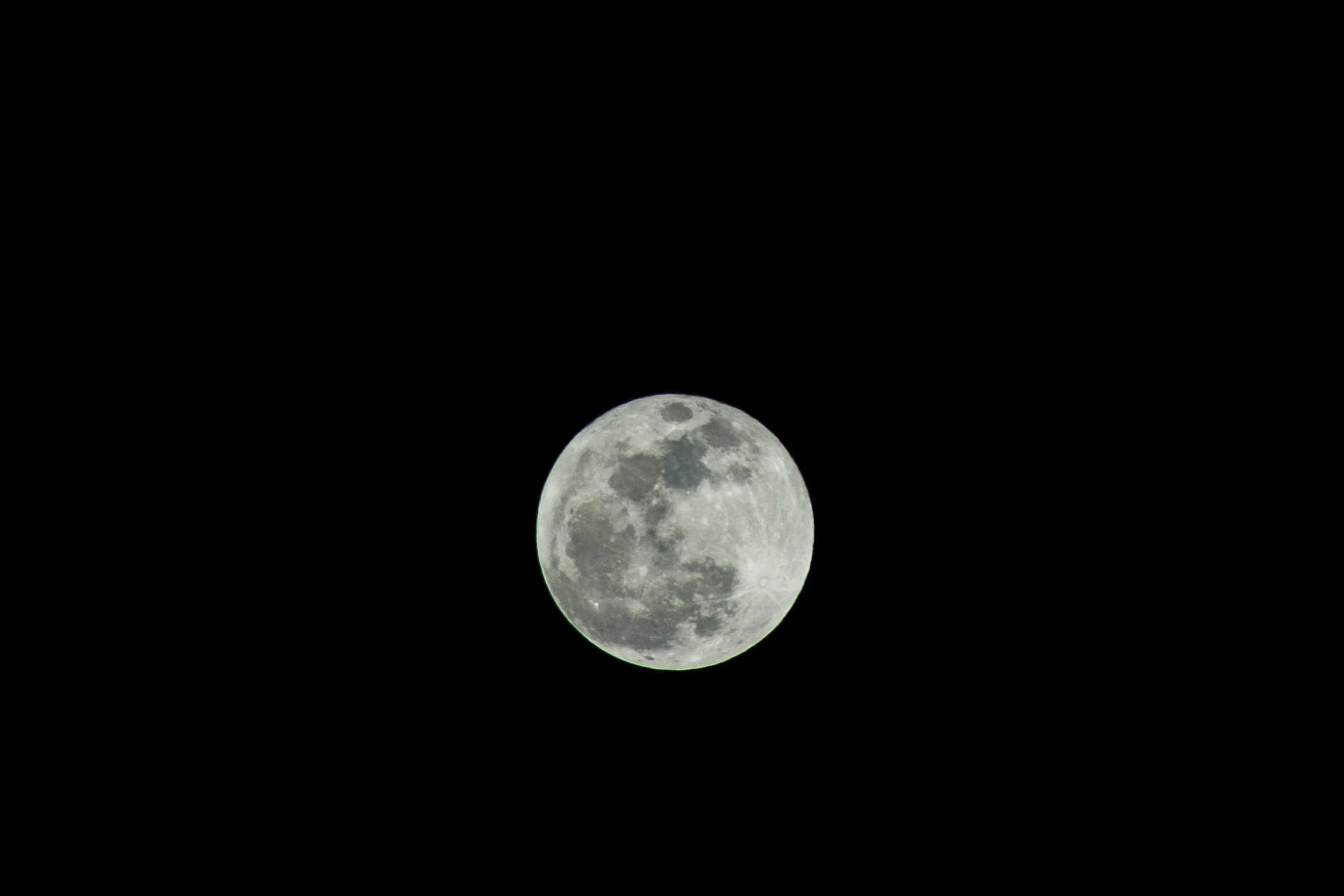 Apogee Full Moon